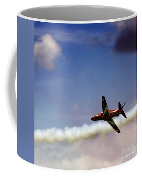 Red Arrows Coffee Mug featuring the photograph Solo by Angel Ciesniarska
