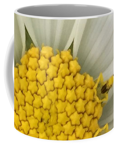 Flower Coffee Mug featuring the photograph Starry Center by Vonda Drees