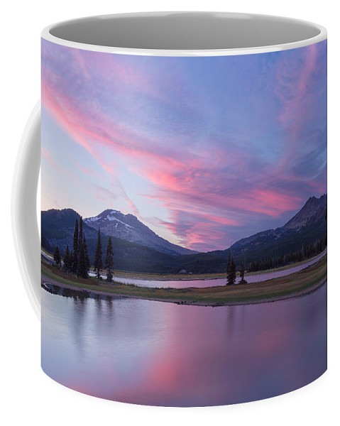 Bend Coffee Mug featuring the photograph Summer Night At Sparks Lake by Patricia Davidson