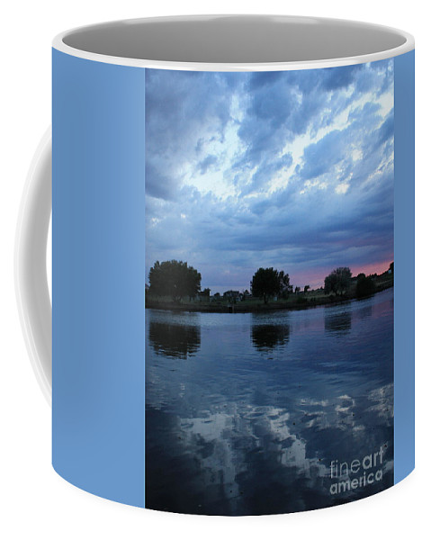 Blue Coffee Mug featuring the photograph Summer Sunset On Yakima River 5 by Carol Groenen