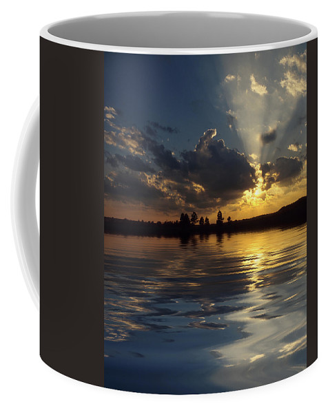 Sunset Coffee Mug featuring the photograph Sunray Sunset by Jerry McElroy
