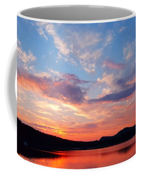 Sea Coffee Mug featuring the photograph Sunset At Ministers Island by Michael Graham