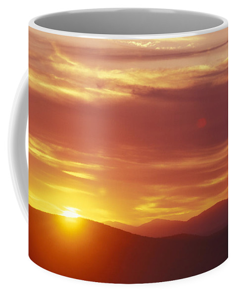New Hampshire Coffee Mug featuring the photograph Sunset Over The White Mountains In New by Richard Nowitz