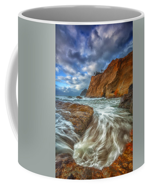 Oregon Coffee Mug featuring the photograph Sweeping Tides by Darren White