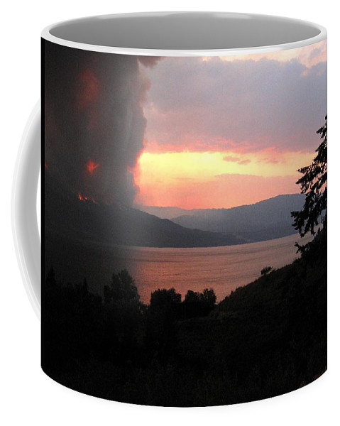 Forest Fire Coffee Mug featuring the photograph Terrace Mountain Fire 4 by Will Borden