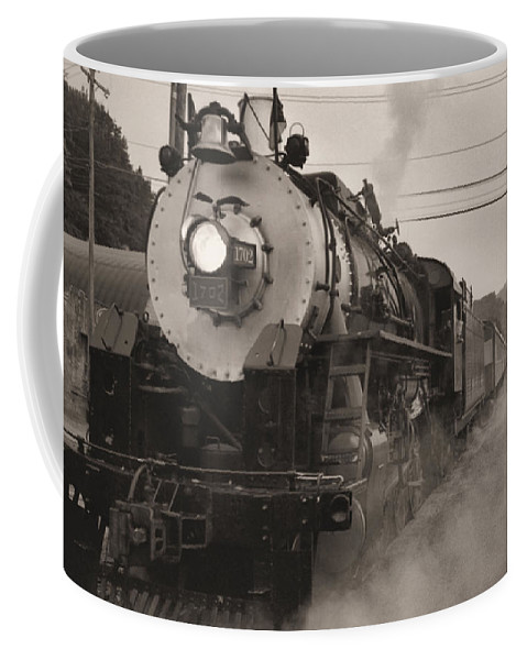 Trains Coffee Mug featuring the photograph The 1702 At Dillsboro by Richard Rizzo