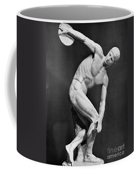 140's Coffee Mug featuring the photograph The Discobolus, 450.b.c by Granger