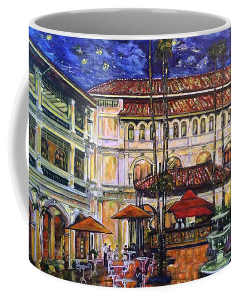 Raffles Hotel Coffee Mug featuring the photograph The Grand Dame's Courtyard Cafe by Belinda Low