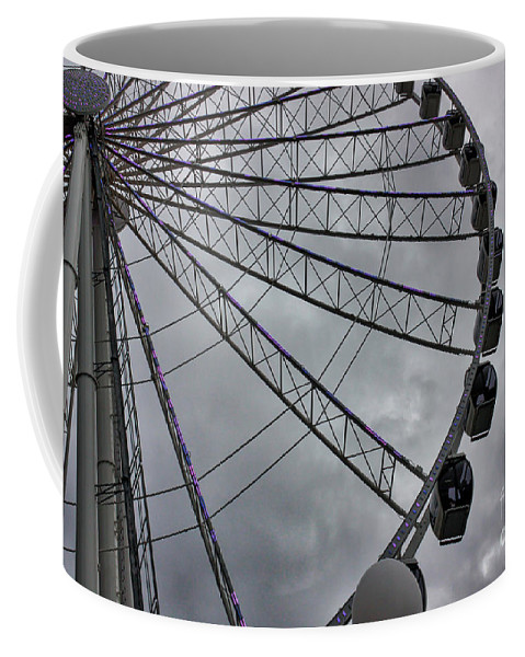 Pacific Northwest Coffee Mug featuring the photograph The Great Wheel by DAC Photography
