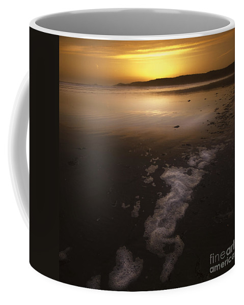 Seascape Coffee Mug featuring the photograph The Low Tide by Angel Tarantella