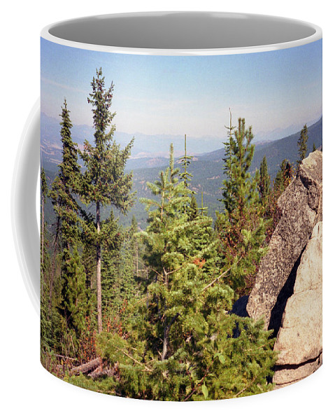 Landscapes Coffee Mug featuring the photograph The Star Gazer by Richard Rizzo
