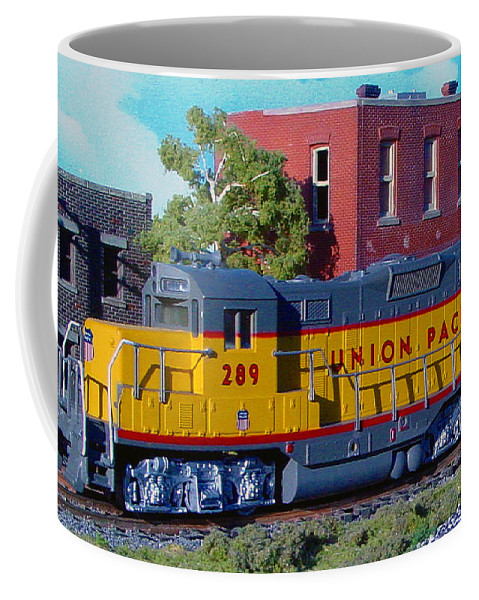 Pat Turner Coffee Mug featuring the photograph Union Pacific 289 by Pat Turner