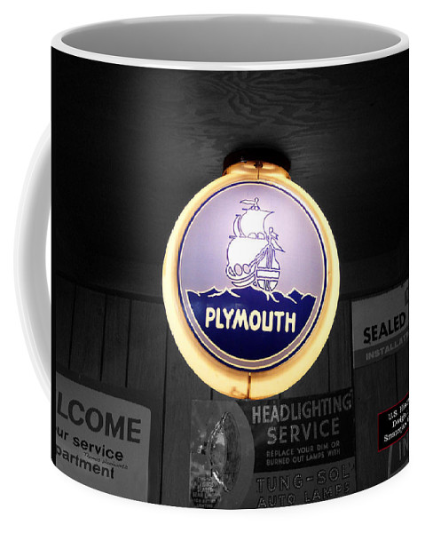 Route 66 Coffee Mug featuring the photograph Us Route 66 Plymouth Sales Globe Sc by Thomas Woolworth