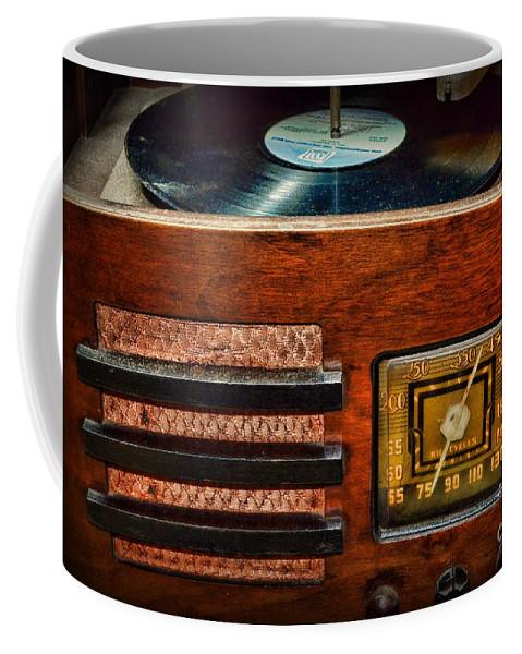 Paul Ward Coffee Mug featuring the photograph Vintage Radio by Paul Ward