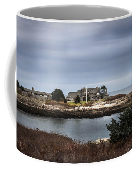 Walkers Point Coffee Mug featuring the photograph Walkers Point Kennebunkport Maine by Debra Forand