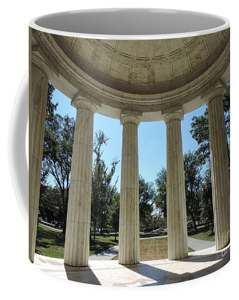 Washington Coffee Mug featuring the photograph Washington Dc Veteran's Memorial by Doug Swanson