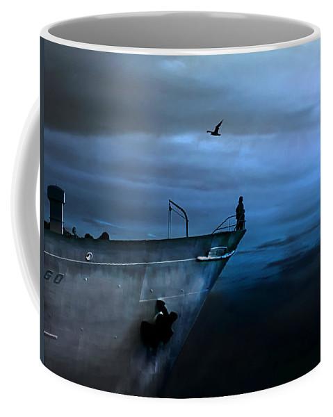 Ship Coffee Mug featuring the photograph West Across The Ocean by Joachim G Pinkawa