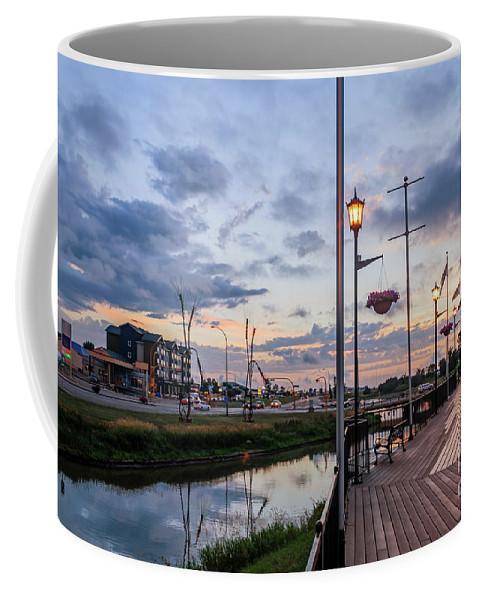 Embankment Coffee Mug featuring the photograph Embankment In Weyburn by Viktor Birkus