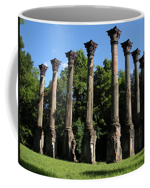 Plantation Coffee Mug featuring the photograph Windsor Mansion 1 by Nelson Strong