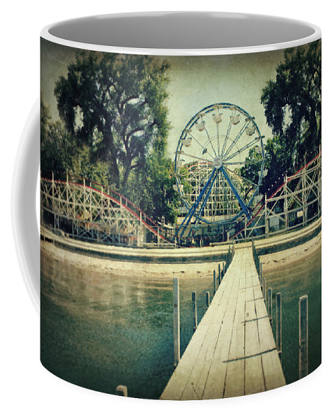 Ferris Wheel Coffee Mug featuring the photograph Arnolds Park by Julie Hamilton