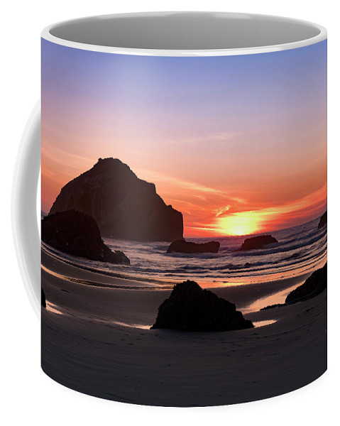 Bandon Beach Coffee Mug featuring the photograph Face Rock At Sunset by Jim Thompson