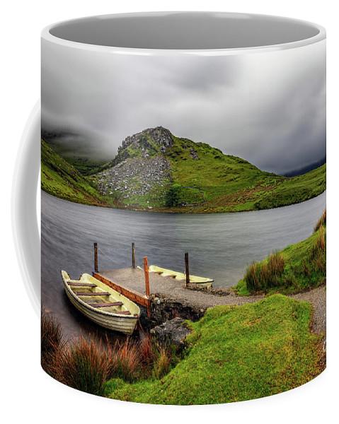 Llyn Y Dywarchen Coffee Mug featuring the photograph Llyn Y Dywarchen, Rhyd Ddu Snowdonia by Adrian Evans