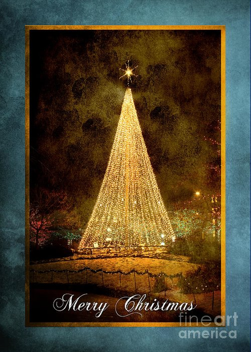Christmas Greeting Card featuring the photograph Christmas Tree In The City by Cindy Singleton