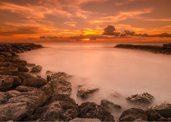 Milky Way Greeting Card featuring the photograph Honolulu Sunset by Tin Lung Chao