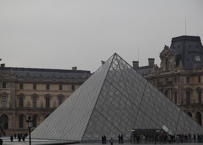 Paris Greeting Card featuring the photograph Louvre - Paris France - 01133 by DC Photographer