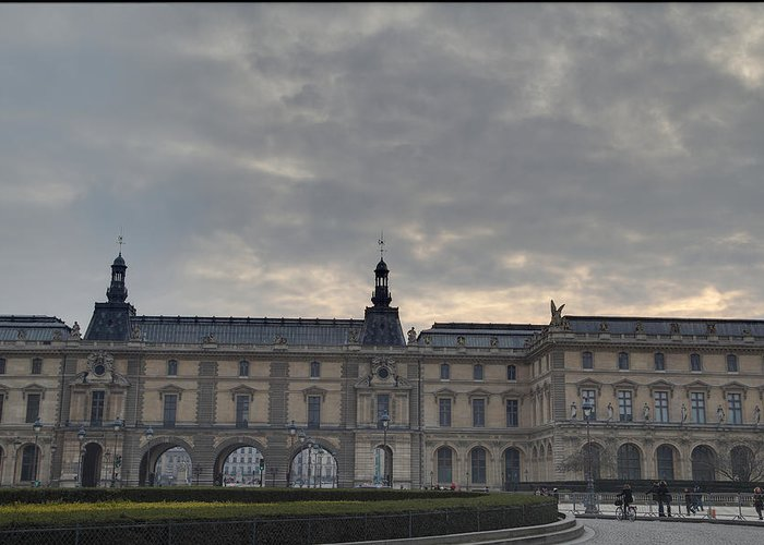 Paris Greeting Card featuring the photograph Louvre - Paris France - 01134 by DC Photographer