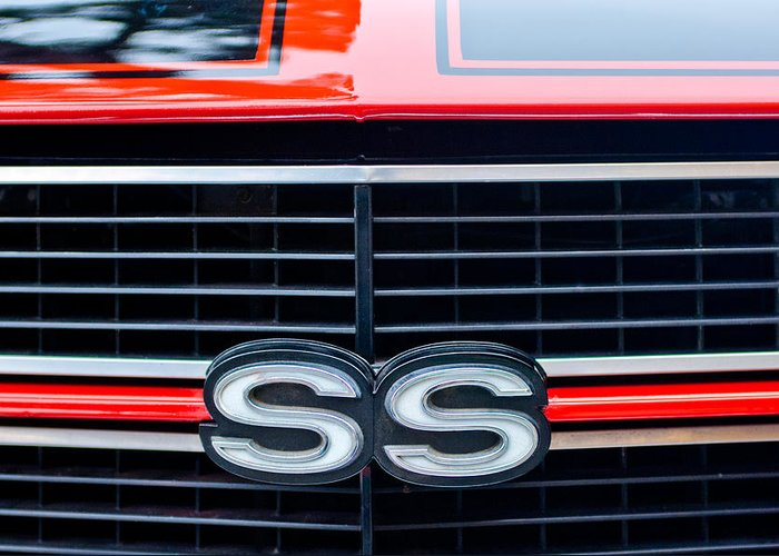 1970 Chevrolet Chevelle Ss 454 Grille Emblem Greeting Card featuring the photograph 1970 Chevrolet Chevelle Ss 454 Grille Emblem by Jill Reger