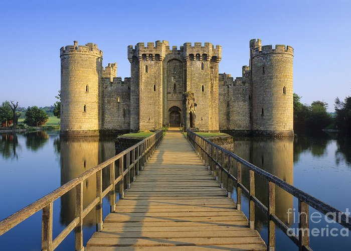 Bodiam Greeting Card featuring the photograph Bodiam Castle by Derek Croucher