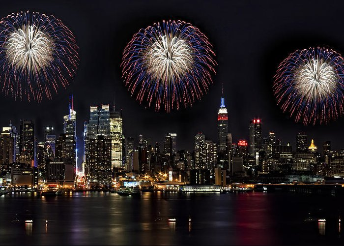 New York City Greeting Card featuring the photograph New York City Celebrates The 4th by Susan Candelario