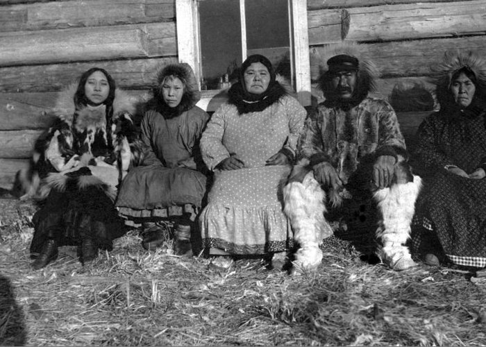 20th Century Greeting Card featuring the photograph Alaska Eskimo Family by Granger