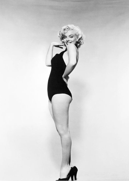 20th Century Greeting Card featuring the photograph Marilyn Monroe (1926-1962) by Granger