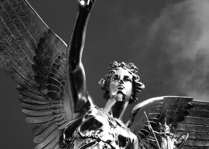 Monument Greeting Card featuring the photograph Angel Of Peace by Marc Huebner