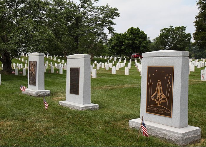 Arlington Greeting Card featuring the photograph Arlington National Cemetery - 01138 by DC Photographer