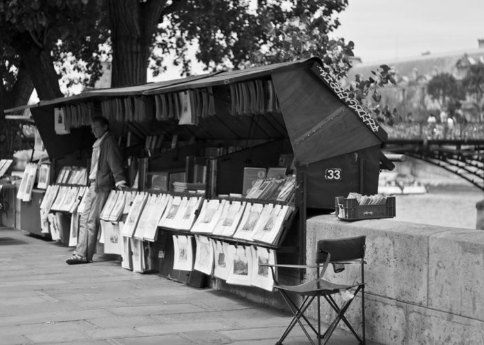 Artist Greeting Card featuring the photograph Art Seller On The Left Bank - Paris People Series by Georgia Fowler
