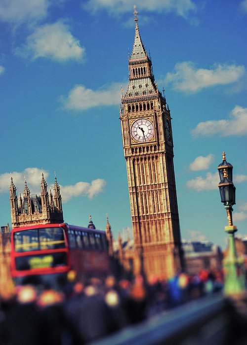 Clock Tower Greeting Card featuring the photograph Big Ben And Commuter Traffic by Doug Armand