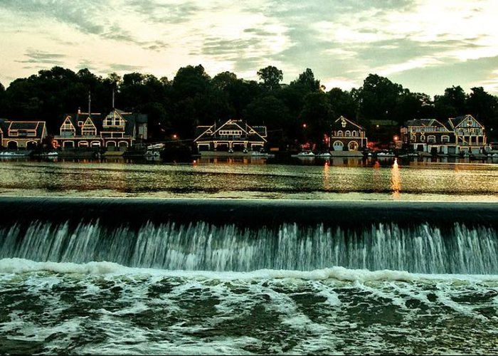 Boathouse Greeting Card featuring the photograph Boathouse Row And Fairmount Dam by Bill Cannon