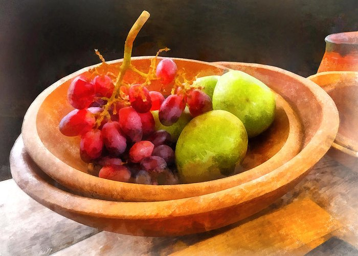 Grape Greeting Card featuring the photograph Bowl Of Red Grapes And Pears by Susan Savad