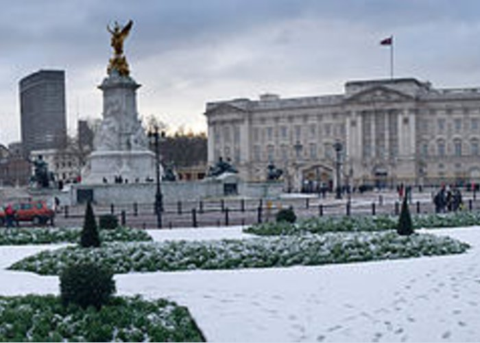 Photography Greeting Card featuring the photograph Buckingham Palace In Winter, City by Panoramic Images