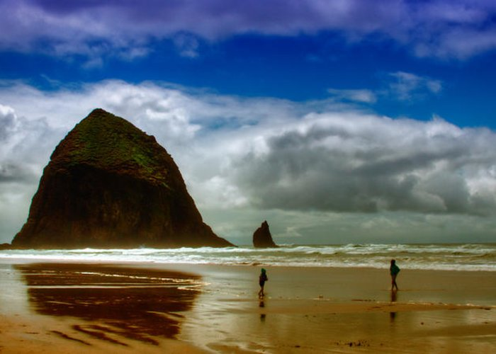 Cannon Beach Greeting Card featuring the photograph Cannon Beach At Dusk II by David Patterson