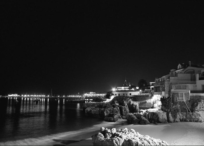 Olympus Greeting Card featuring the photograph Cascais At Night by Luis Esteves