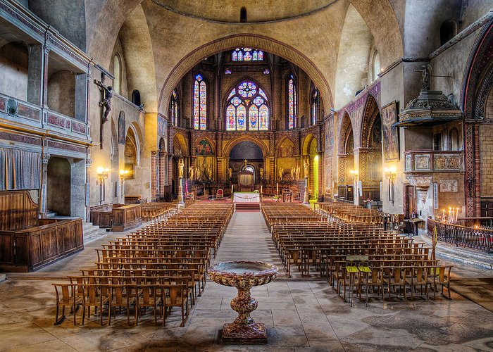 Saint Etienne Greeting Card featuring the photograph Cathedrale Saint-etienne Interior / Cahors by Barry O Carroll