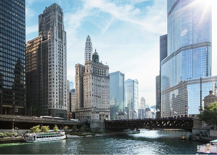 Wake Greeting Card featuring the photograph Chicago River by Bjarte Rettedal