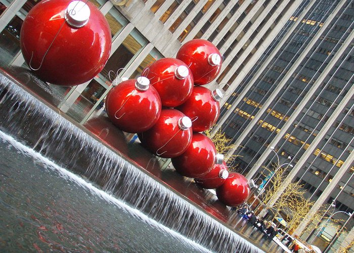 Christmas Greeting Card featuring the photograph Christmas In Nyc by Kimberly Perry