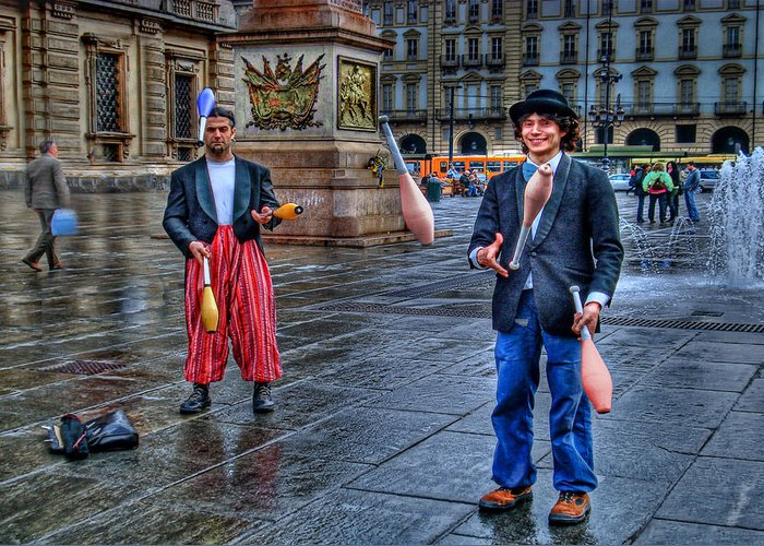 Jugglers Greeting Card featuring the photograph City Jugglers by Ron Shoshani