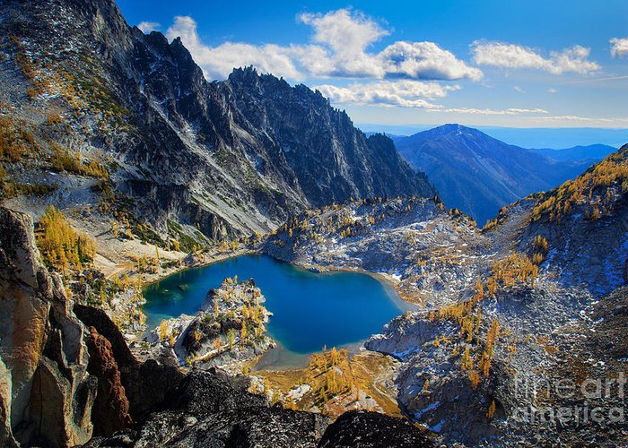 Alpine Lakes Wilderness Greeting Card featuring the photograph Crystal Lake by Inge Johnsson
