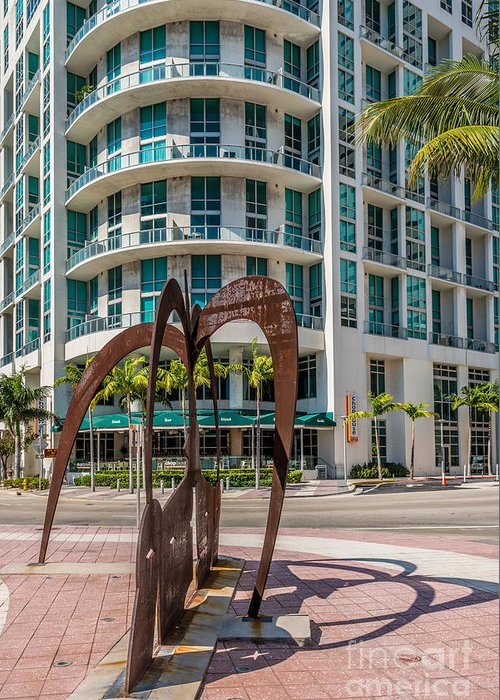 2003 Greeting Card featuring the photograph Duenos Do Las Estrellas Sculpture - Downtown - Miami by Ian Monk